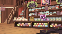 Tea salespony left alone in her store S7E12