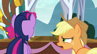 "Applejack ""what is that thing?"" S8E18"