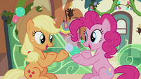 Applejack and Pinkie speak at the same time S5E20