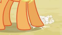 Applejack tapping her hoof S3E8