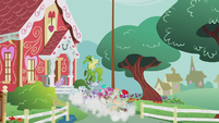 Foals excitedly leaving the school S5E18