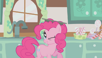 Pinkie Pie with a pan on her head S1E12
