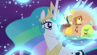 Princess Celestia observes Discord's dream S7E10