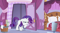 Rarity at the door S2E23