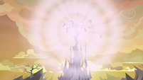 Top spire of the changeling hive explodes S6E26
