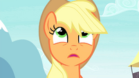 Applejack looking up S4E20