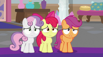 Cutie Mark Crusaders looking very nervous S8E12
