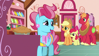 Mrs. Cake -we're gonna need one more pony- S7E13