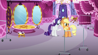 Rarity pointing at spot for Lily Lace's clothes S7E9