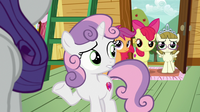 File:Sweetie Belle looks uncertain at her friends S7E6.png