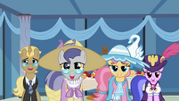 The ponies look at Rarity S2E09