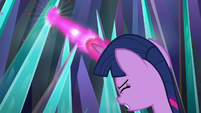 Twilight blasting at the crystal walls S9E2