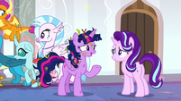 Twilight thanks Starlight for taking care of the school S8E15