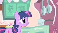 Twilight what she's doing S1E20
