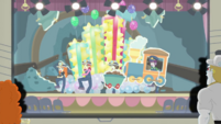 Video slide of Pinkie's balloon stage set CYOE10c