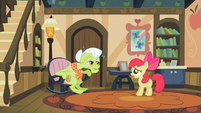 Granny Smith talking with Apple Bloom S2E12