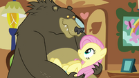 Grizzly bear holding Fluttershy S03E13