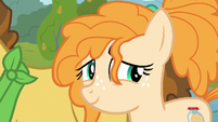 Pear Butter smiles back at Bright Mac S7E13