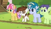 Pip and campers stop at camp-dividing line S7E21