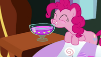 Proud-as-Punch-Pinkie-S2E19