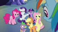 Rainbow's friends look disapproving S9E26