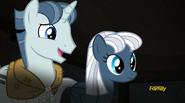 S05E01 Party Favor, Night Glider