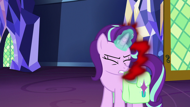 File:Starlight pulls more anger into her bottle S7E2.png