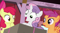 Sweetie Belle excitedly says her own name S8E10