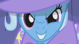 Trixie com rosto aproximado T01E06