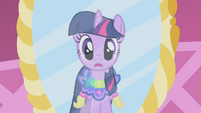 Twilight realizes what Rarity is up to S1E03