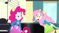 "Fluttershy feebly shouting ""Song!"" SS4"