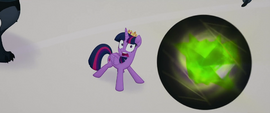 Obsidian sphere flying toward Twilight MLPTM