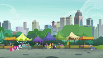 Rarity and Maud stand over twenty yards apart S6E3