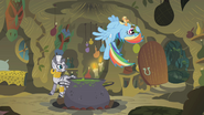 S01E09 Rainbow i Applejack wlatują do chatki Zecory