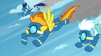 Spitfire signaling Soarin and Fleetfoot S6E7
