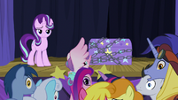 Starlight and ponies looking behind S8E19