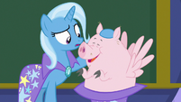 Trixie pulls a Pigasus out of her hat S8E15