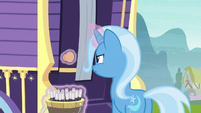 Trixie trying to open her wagon door S8E19
