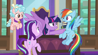 Twilight calms Dash and Starlight down S8E25