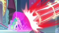 Twilight protects princesses from Cozy's blast S9E24