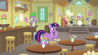 Twilight wondering where Dusty went S9E5