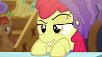 Apple Bloom giving a sly smirk S6E4