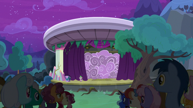 File:Curtains open on A New Day in Equestria S8E7.png