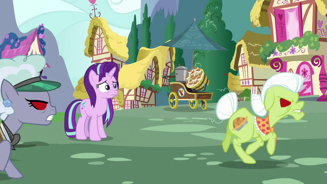File:Granny and Jeweler Pony chase Trixie S7E2.png