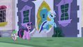 Minuette jumps up S5E12.png