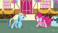 Pinkie Pie frantically looking for Rainbow's pie S7E23