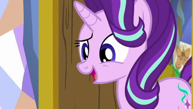 File:Starlight Glimmer greeting Spike S7E1.png