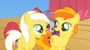 Sunny Daze and Peachy Pie happy S1E18