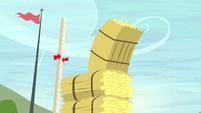 The last hay bale nearly falls S5E6