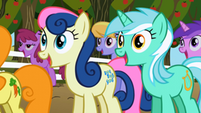 300px-Sweetie Drops and Lyra Heartstrings excited S2E15